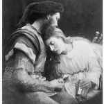 """Fig. 16 – Julia Margaret Cameron, «La separazione di Guinevere e Lancelot», stampa all'albumina, 34,5 x 26,6 cm. (London, Royal Photographic Society), in """"Alfred Tennyson's Idylls of the King and Other Poems Illustrated by Julia Margaret Cameron"""", Henry S. King, London 1874."""