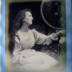 Fig. 17 – Julia Margaret Cameron, «Alfred Tennyson's Idylls of the King and Other Poems Illustrated by Julia Margaret Cameron», Henry S. King, London 1875 (Princeton University Library, Princeton).